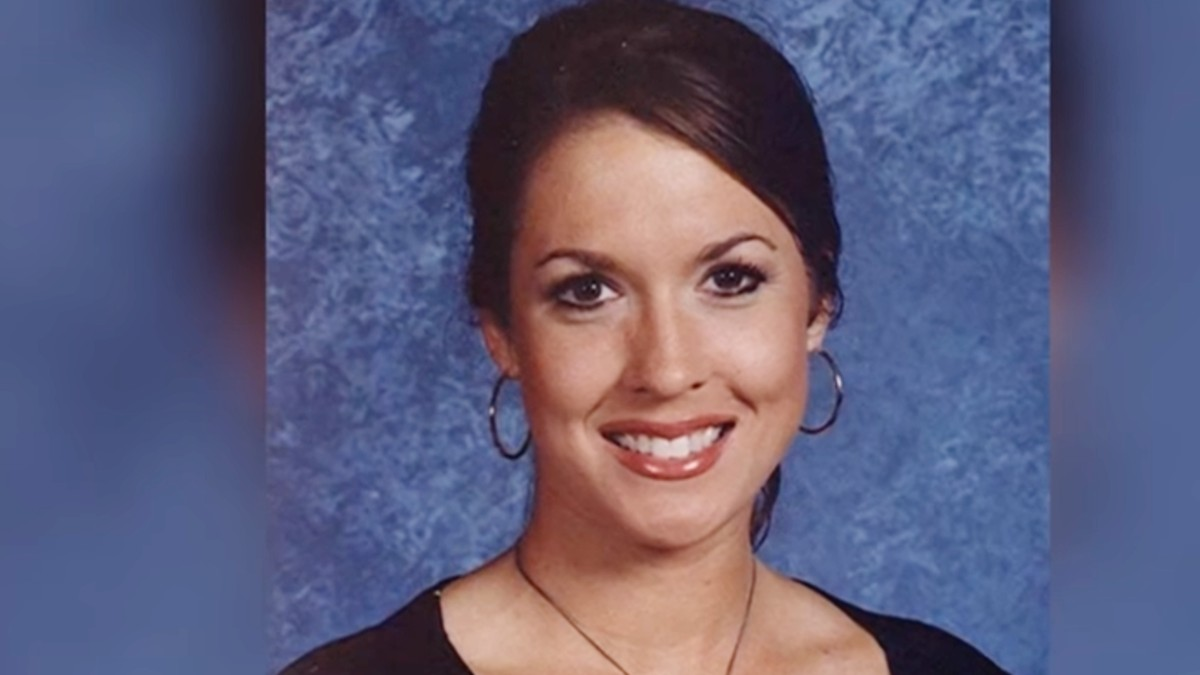 Portrait pic of Tara Grinstead
