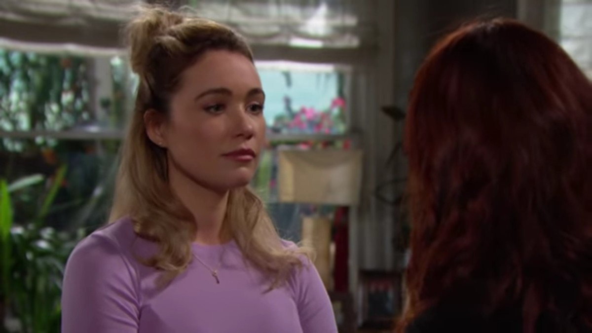 Katrina Bowden and Courtney Hope as Flo and Sally on The Bold and the Beautiful.