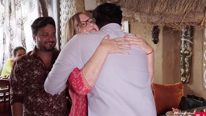 90 day fiance other way Jenny hugging Sumit's brother Amit