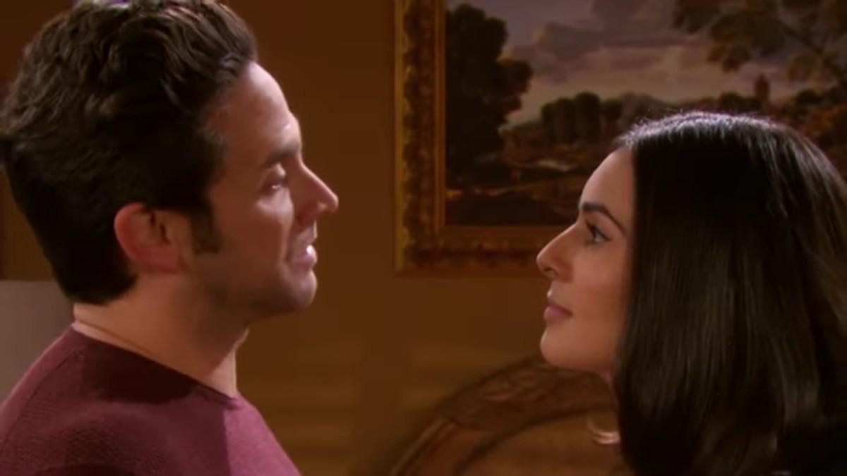 Brandon Barash et Camila Banus dans le rôle de Jake et Gabi dans Days of our Lives.