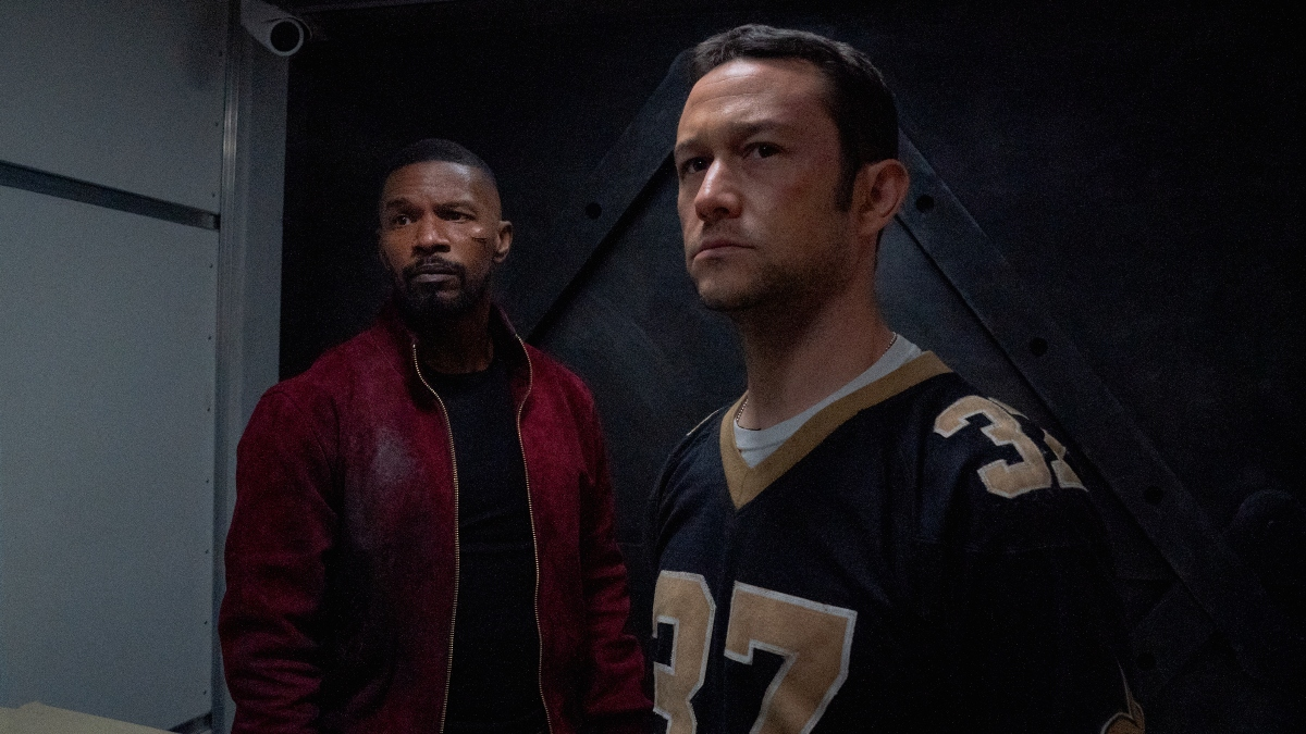 Jamie Foxx as Art and Joseph Gordon-Levitt as Frank in Project Power