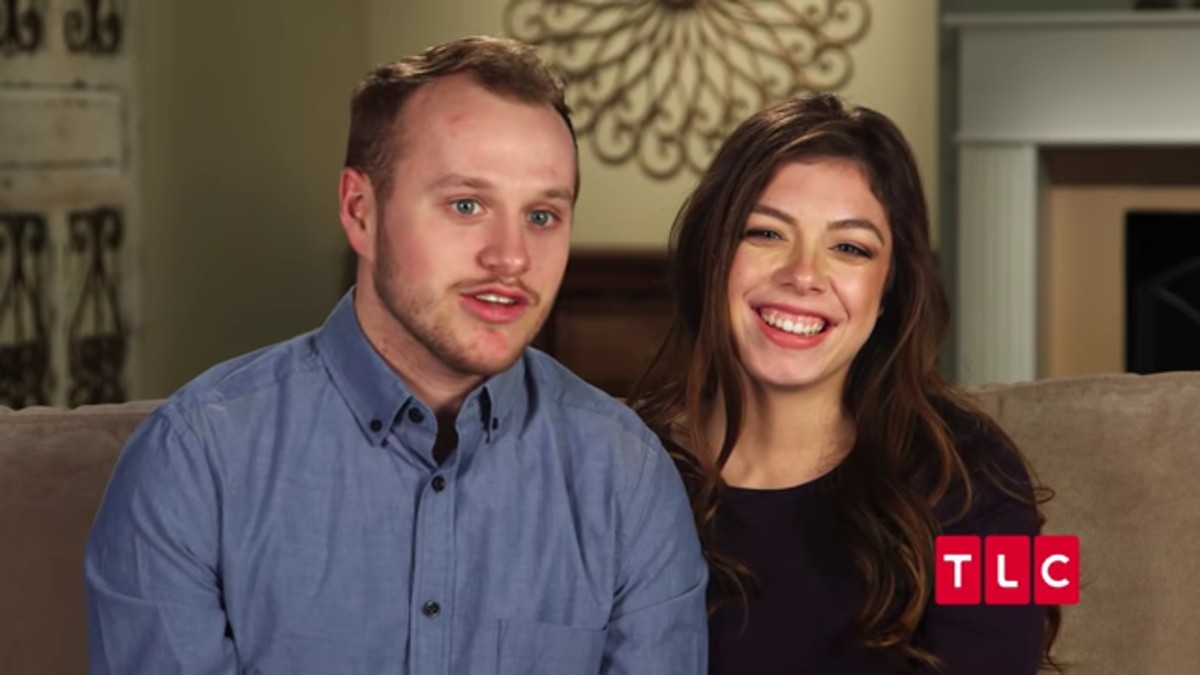Josiah and Lauren Duggar in a Counting On confessional.