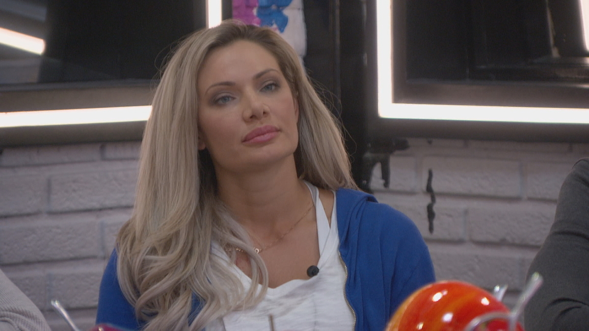 Janelle Pierzina During Week 2 On BB22