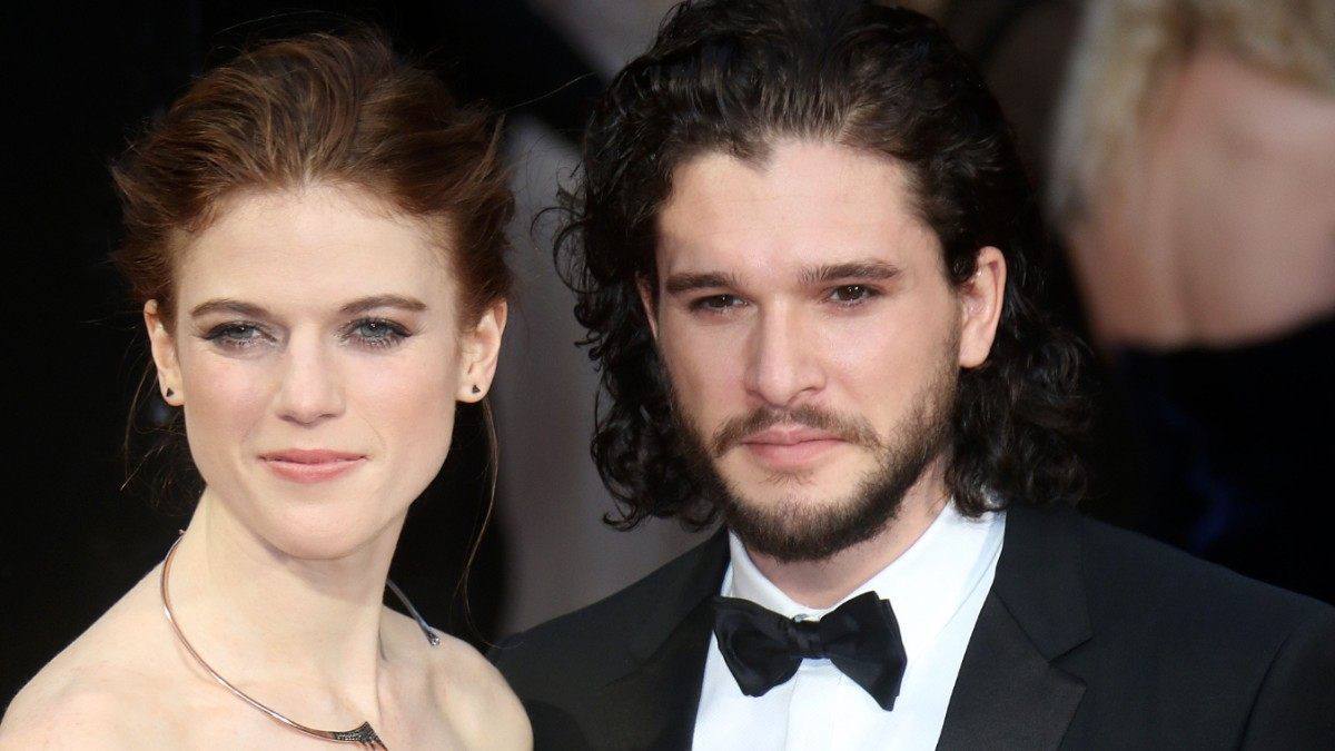 Rose Leslie and Kit Harington on the red carpet