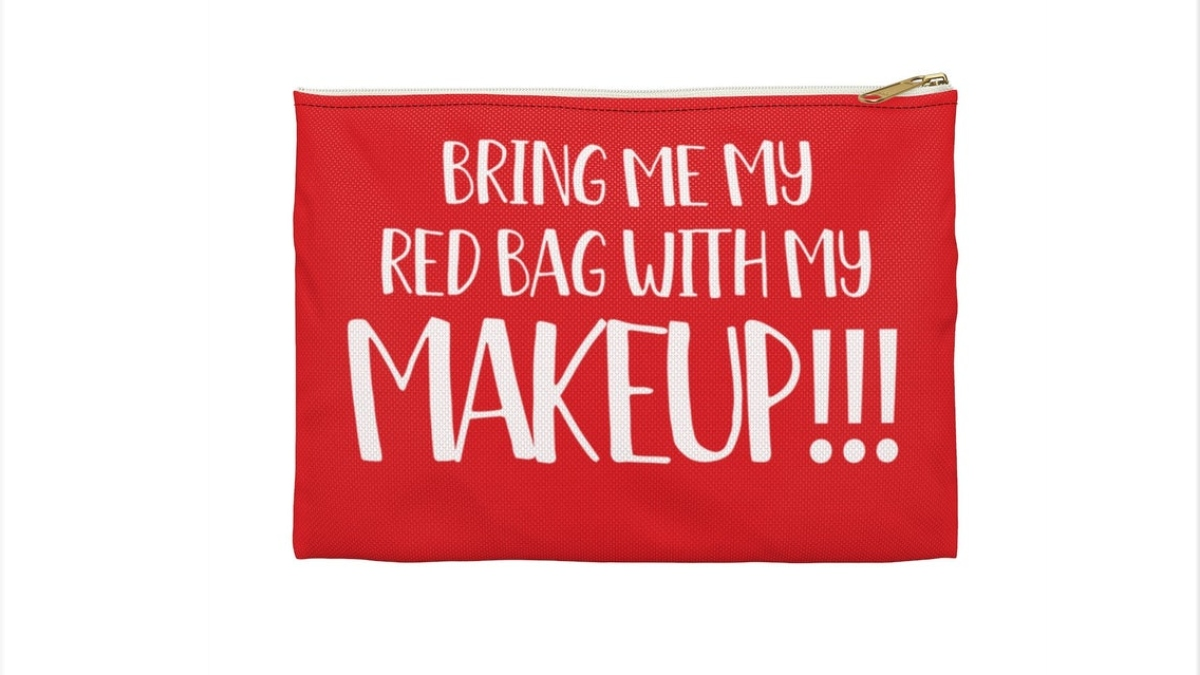 The Anfisa-inspired red bag. Pic credit: MoreBiggy / Etsy