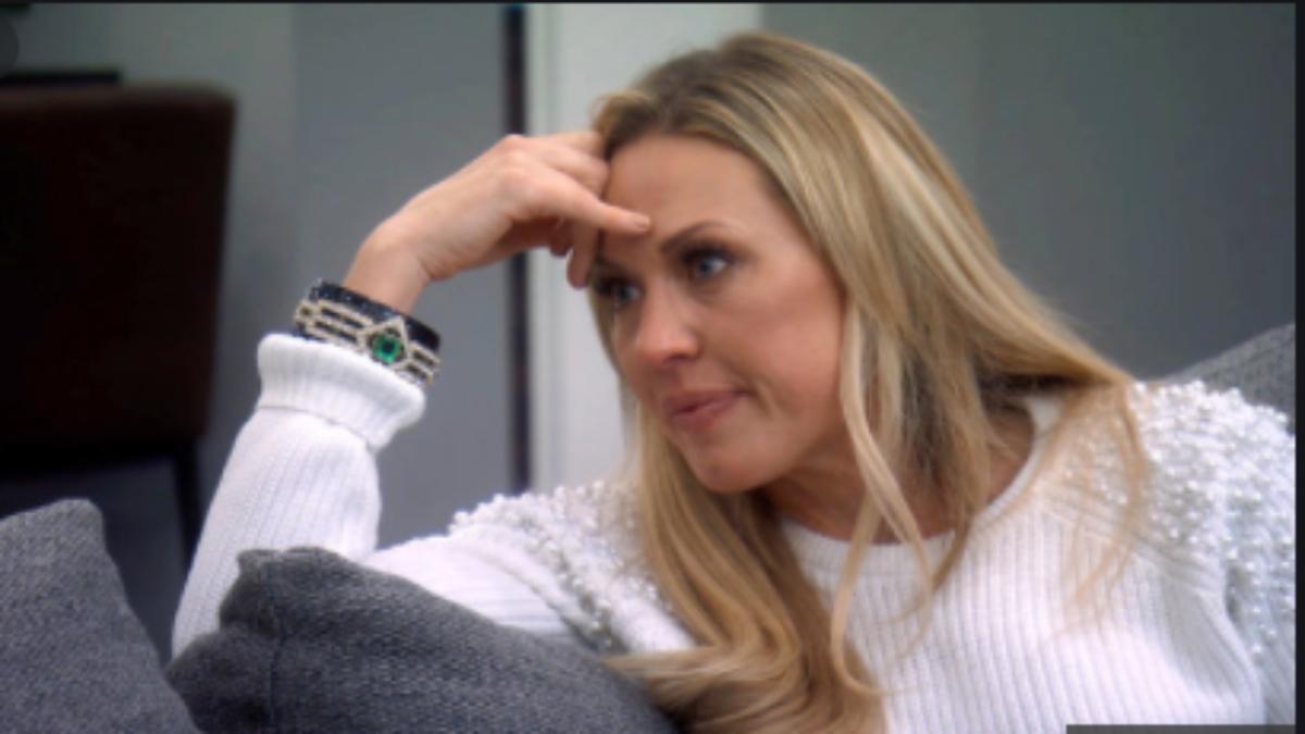 Braunwyn Windham-Burke admits to being an alcoholic on RHOC Season 15 premiere