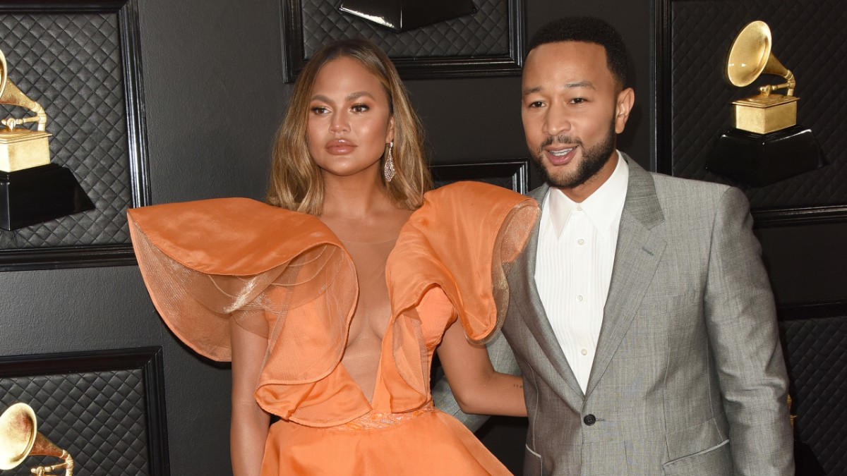 Chrissy Teigen and John Legend on the red carpet