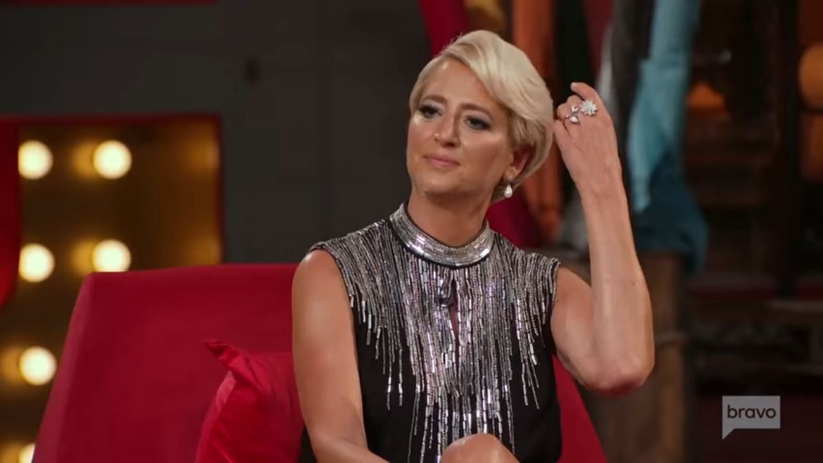 Real Housewives of New York City star, Dorinda Medley, says Leah McSweeney's toast seemed inauthentic when she mentioned Tinsley Mortimer during season finale.