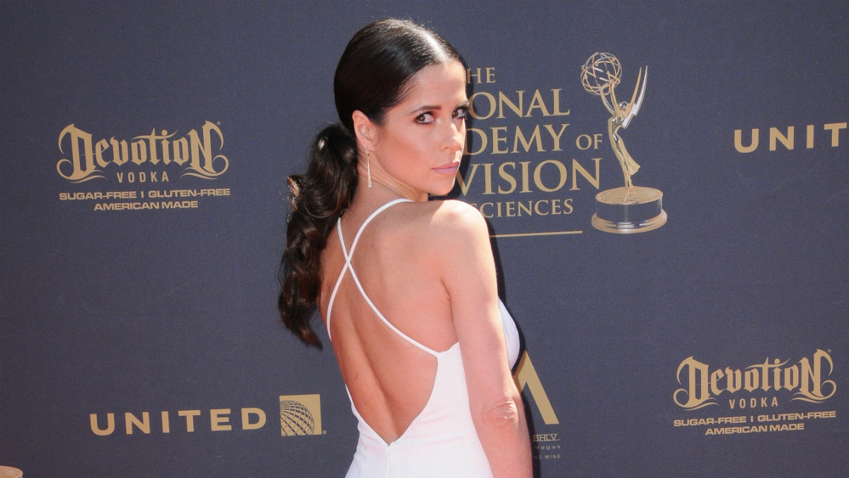 Kelly Monaco pleas with fans for kindness after haters blast General Hospital stars looks.