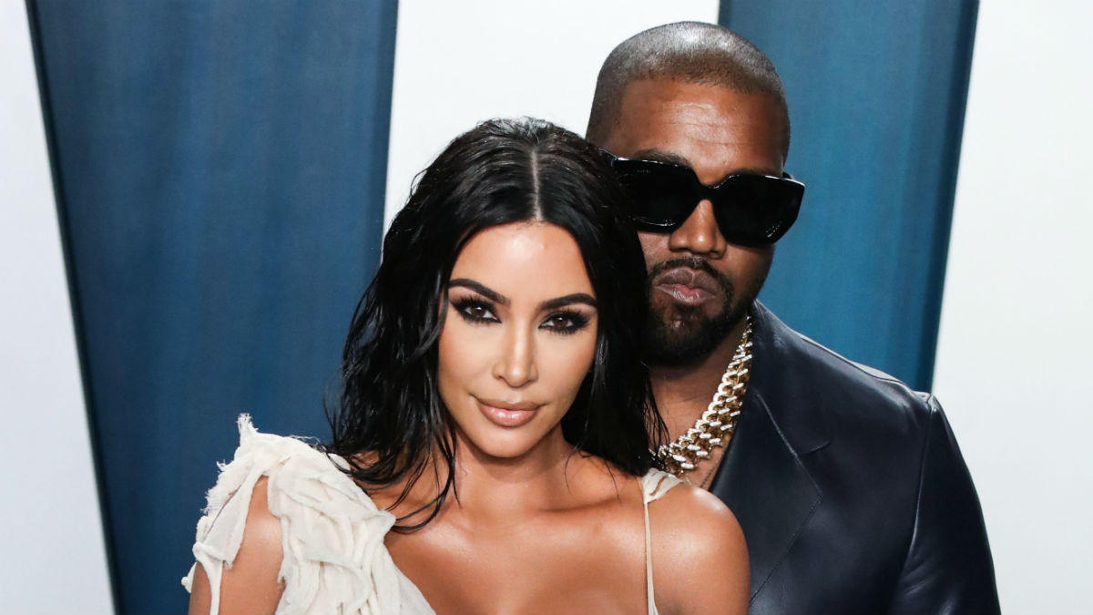 Kanye West gave Kim Kardashian a hologram of her late father Robert Kardashian for her 40th birthday and she loves it.