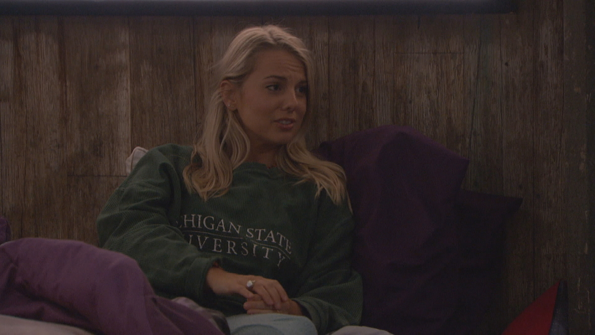 Nicole Pushing BB22 Vote