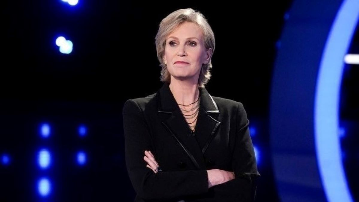 Jane Lynch Exclusive She Jokes About Why There Is No Crying On The Weakest Link