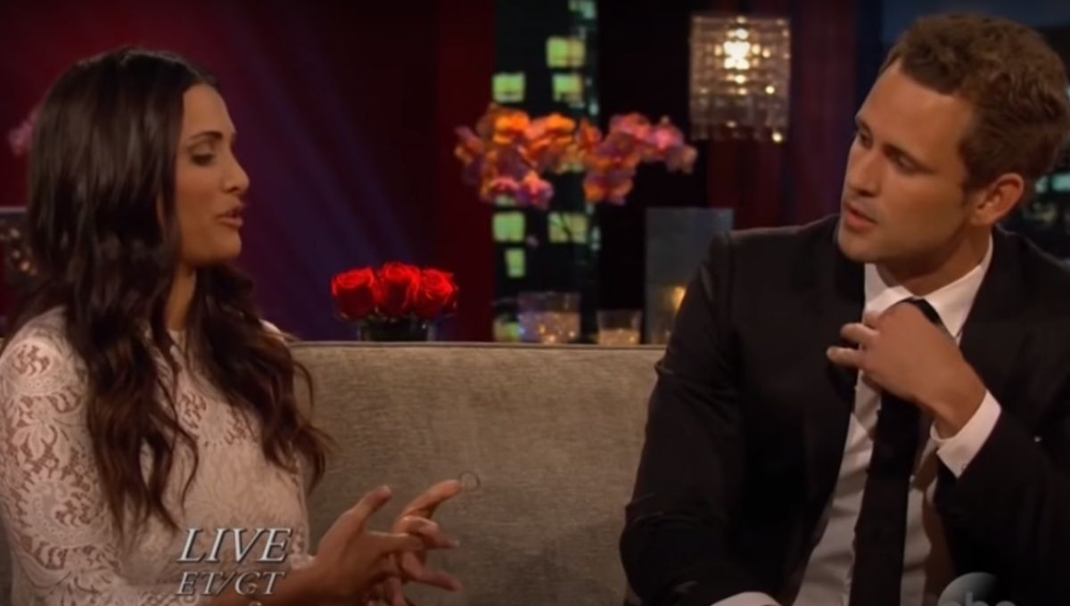 Andi Dorfman sits next to Nick Viall on the After the Final Rose couch