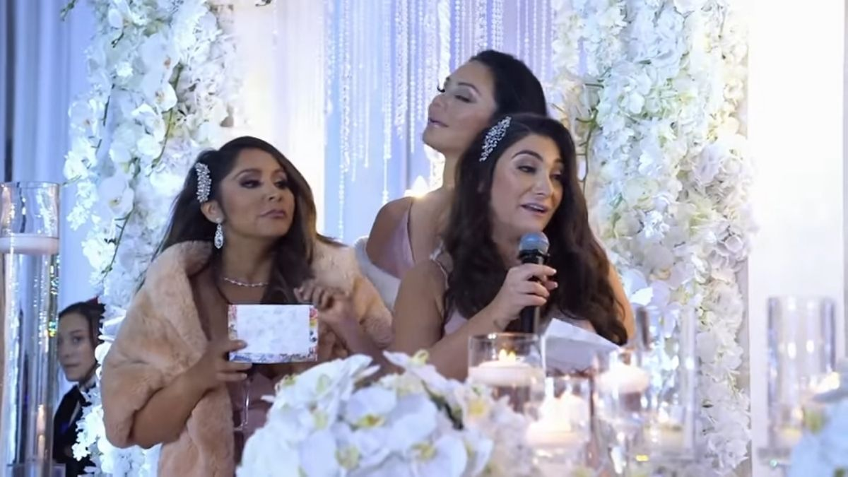 Snooki, JWOWW, and Deena of Jersey Shore Family Vacation giving a speech at Angelina's wedding