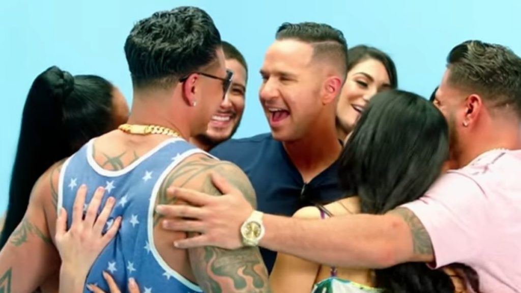 The cast of Jersey Shore Family Vacation in a group hug