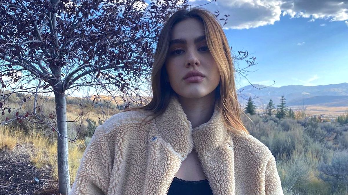amelia hamlin thankful for scott disick in thanksgiving selfie dating rumors