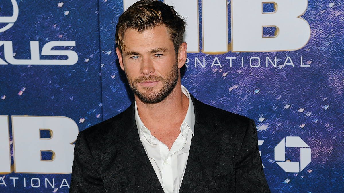 chris hemsworth preparing for hulk hogan biopic