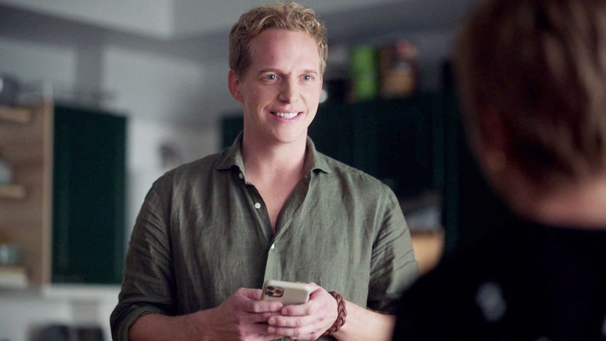Chris Geere is Jamie on A Million Little Things