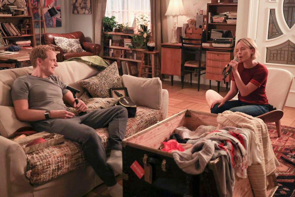 Maggie sings to Jamie