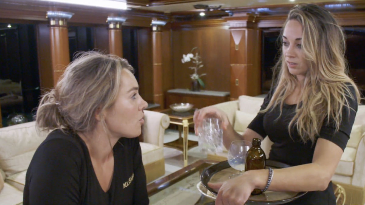 Below Deck's Elizabeth Frankini dishes Francesca drama and toxic laundry.