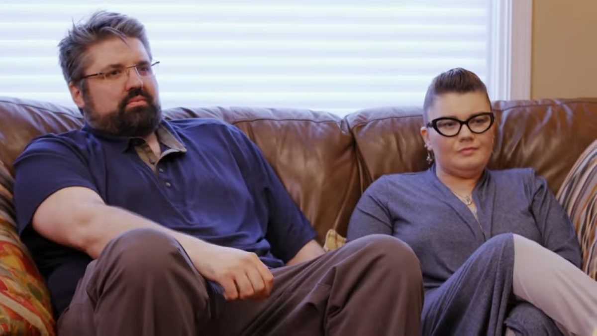 Amber and Andrew attend therapy