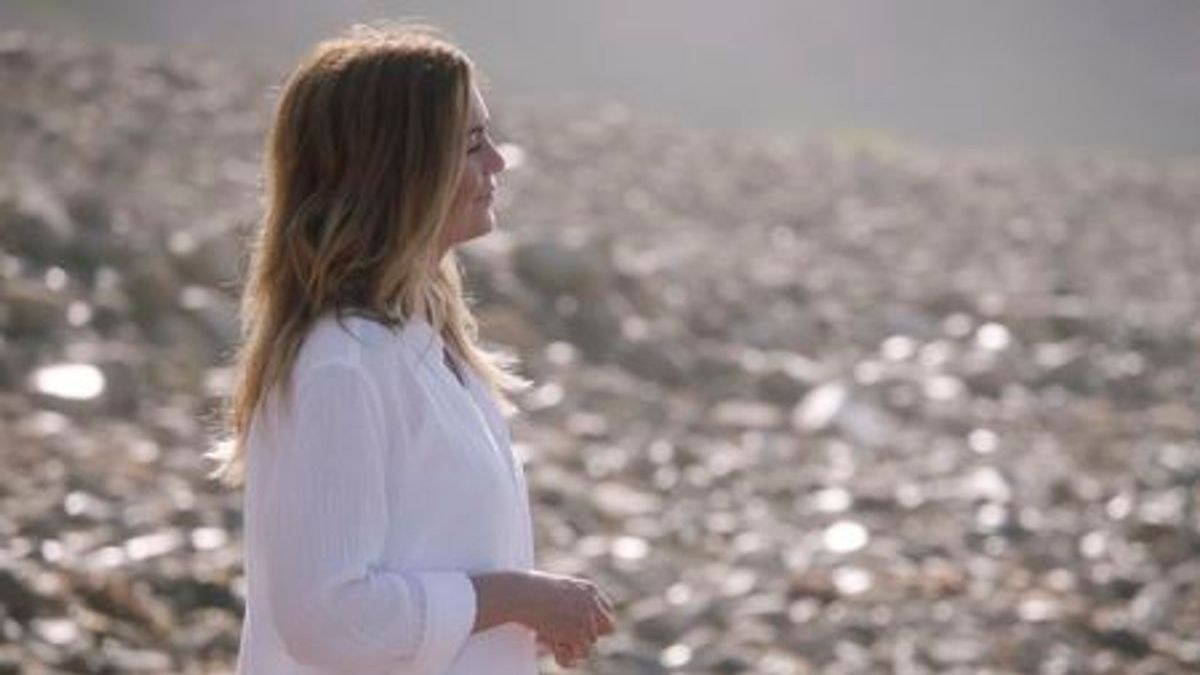 Meredith returns to the beach on Grey's Anatomy