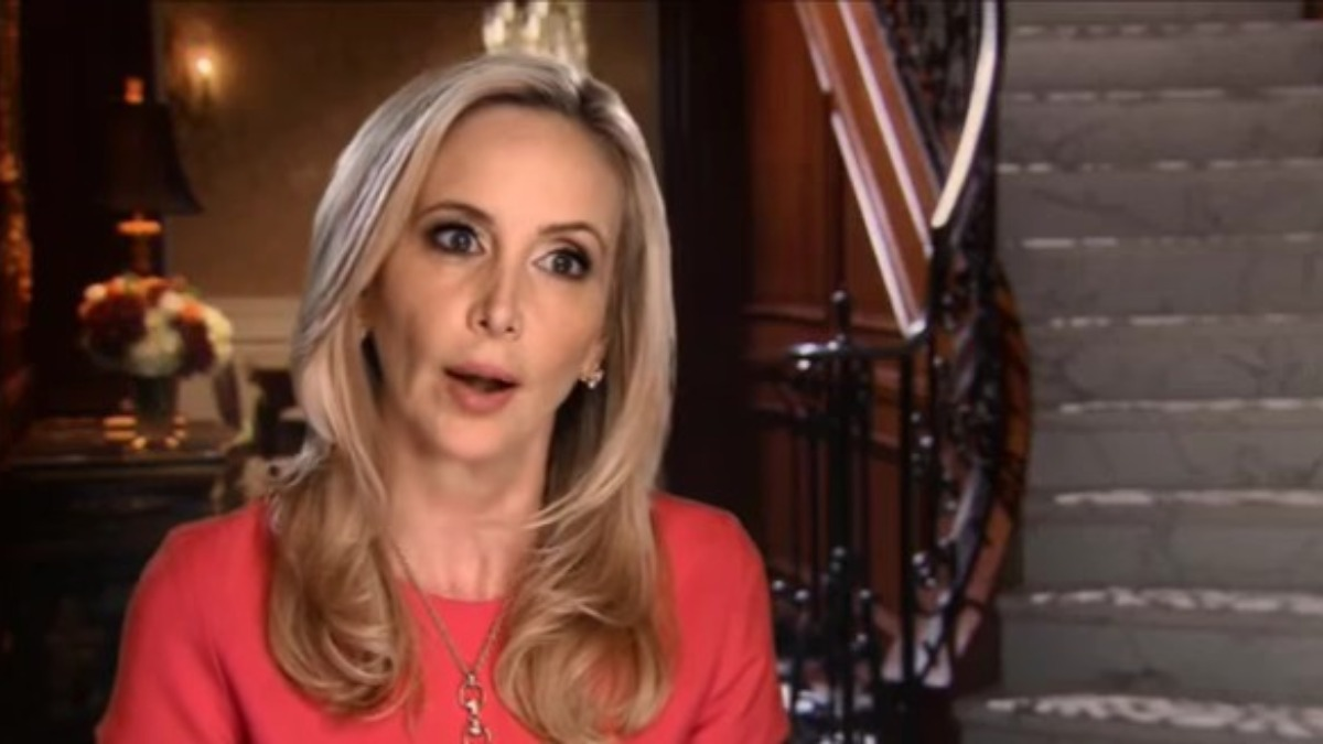 Shannon Beador in a RHOC confessional.