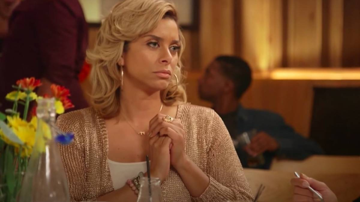 Robyn Dixon films for RHOP.