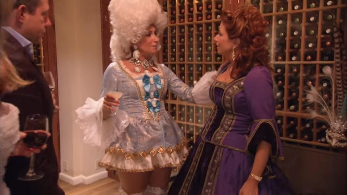 RHONY star Sonja Morgan forgot the bottom half of her costume in Season 4.