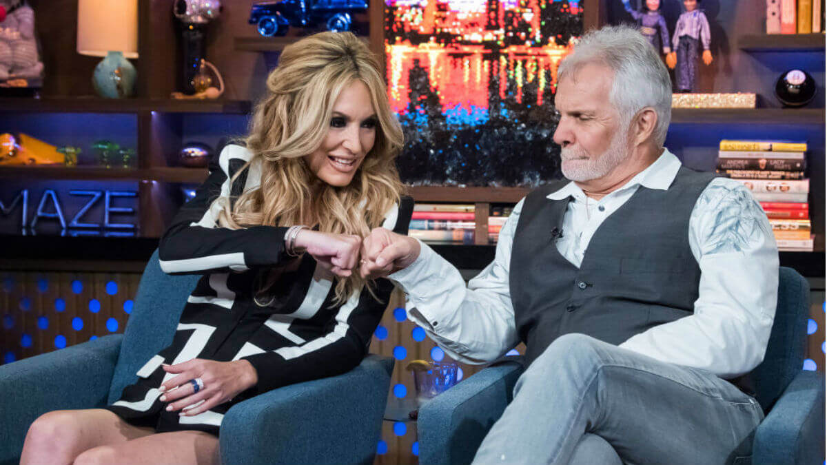 Which Below Deck crew member does Captain Lee think Kate Chastain should date?