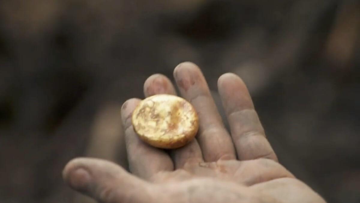 Gold object found on Oak Island