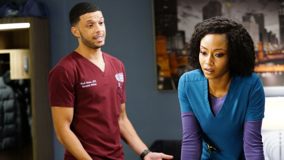 Roland Buck III as Noah Sexton and Yaya DaCosta as April Sexton pair up on Chicago Med cast again.
