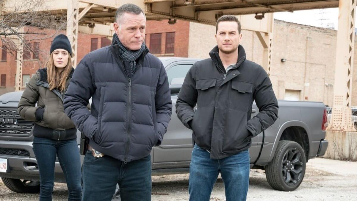 Marina Squerciati as Kim Burgess, Jason Beghe as Hank Voight, Jesse Lee Soffer as Jay Halstead on Chicago PD