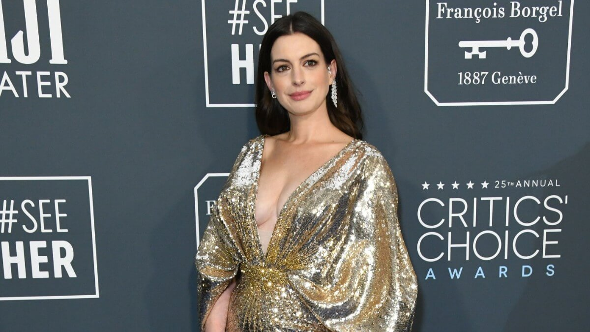 Anne Hathaway at the Critic's Choice Awards