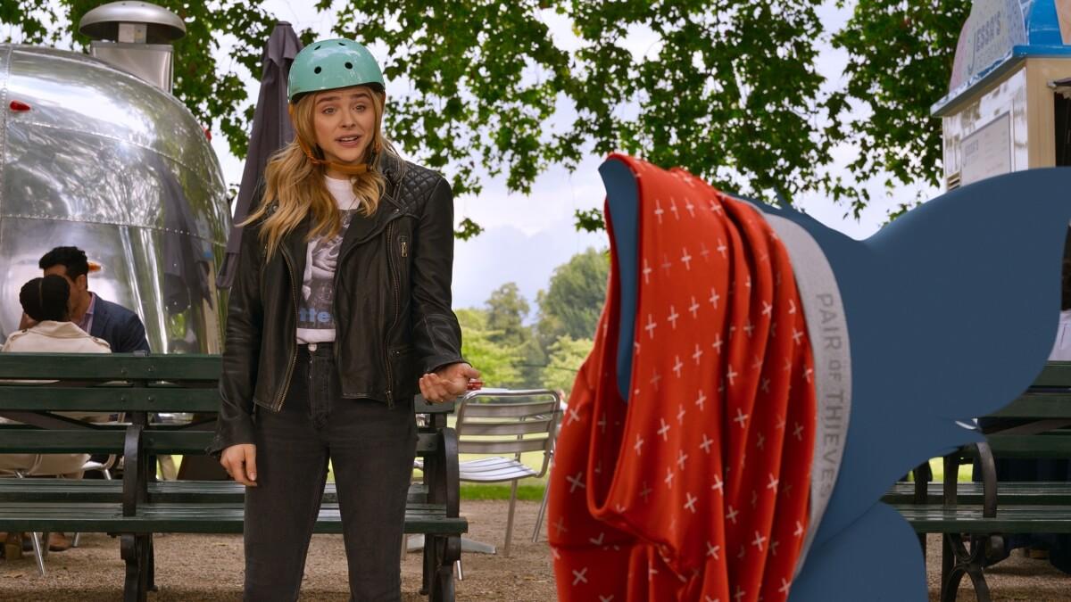 Chloe Grace Moretz as Kayla talking to Tom in Tom & Jerry