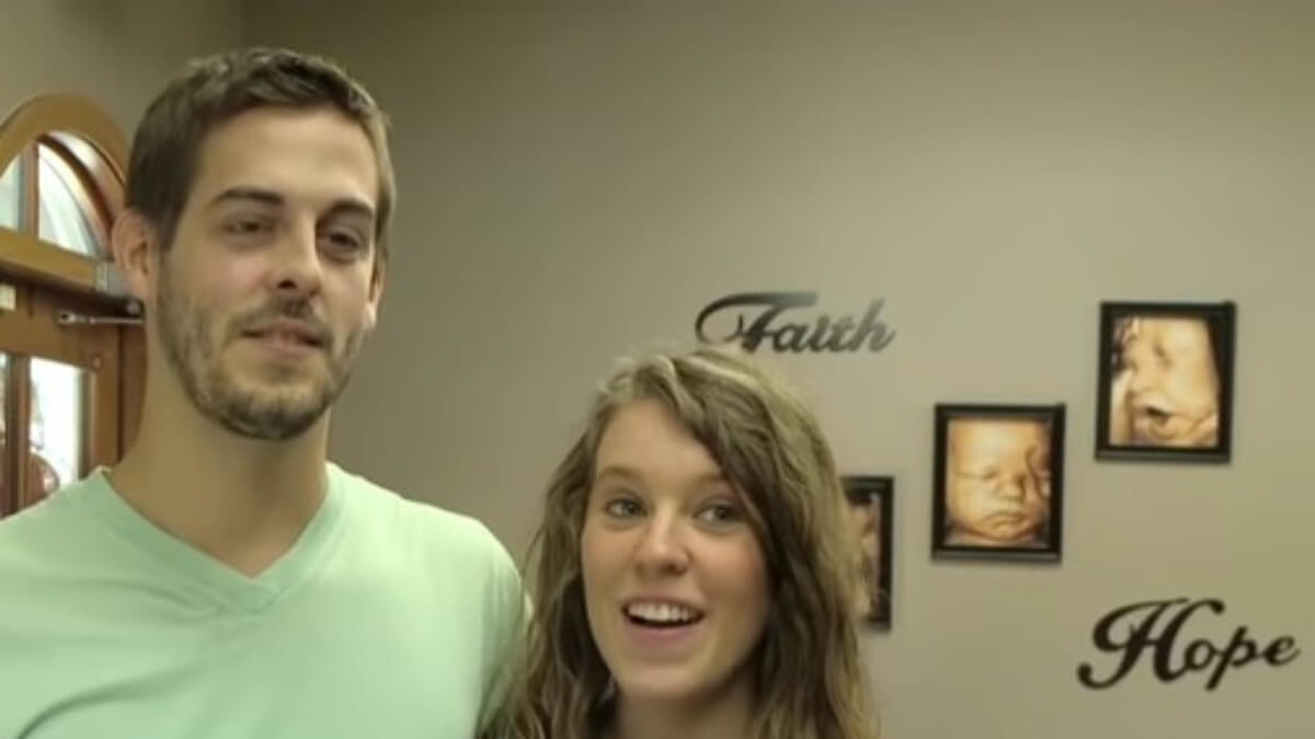 Derick Dillard and Jill Duggar on 19 Kids and Counting.