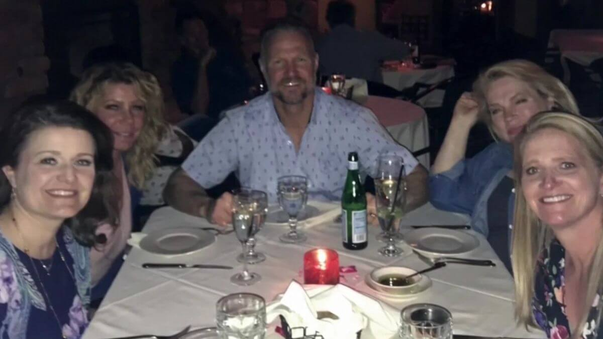 Kody Brown with his wives Meri, Janelle, Christine and Robyn from Sister Wives
