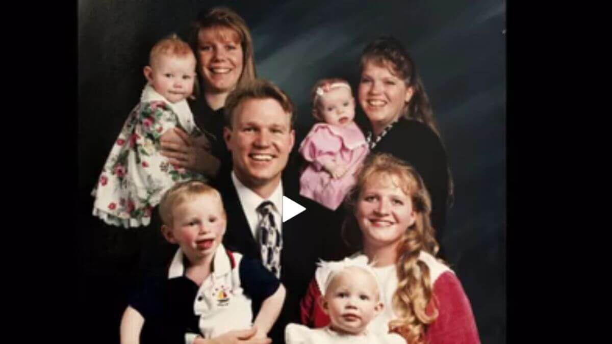 Kody , Meri, Janelle, and Christine Brown of Sister Wives