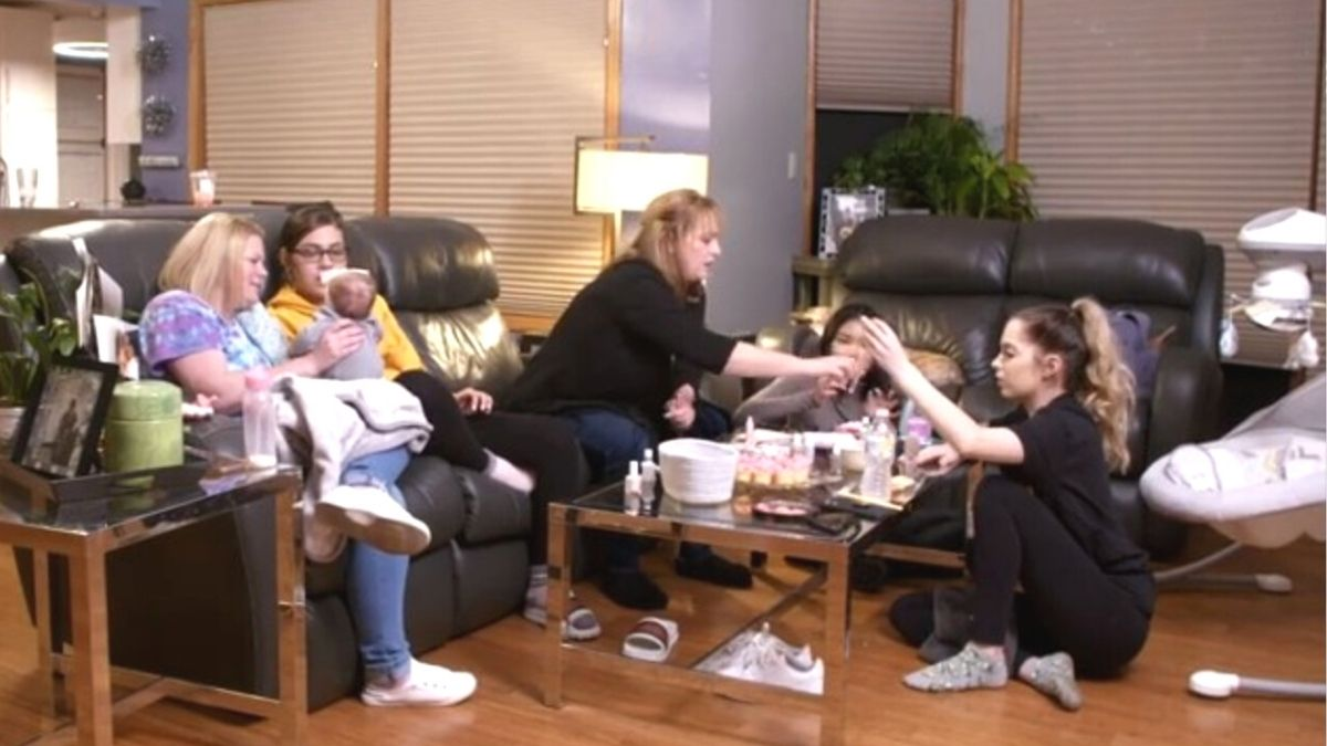 Shelby, her family, best friend, and baby daddy's family from 16 & Pregnant