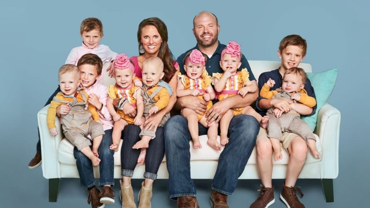 The Waldrop Family of Sweet Home Sextuplets