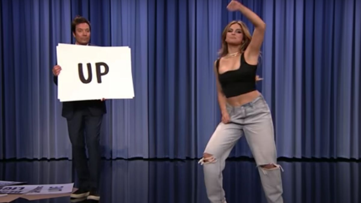 Screenshot of Addison Rae on The Tonight Show.