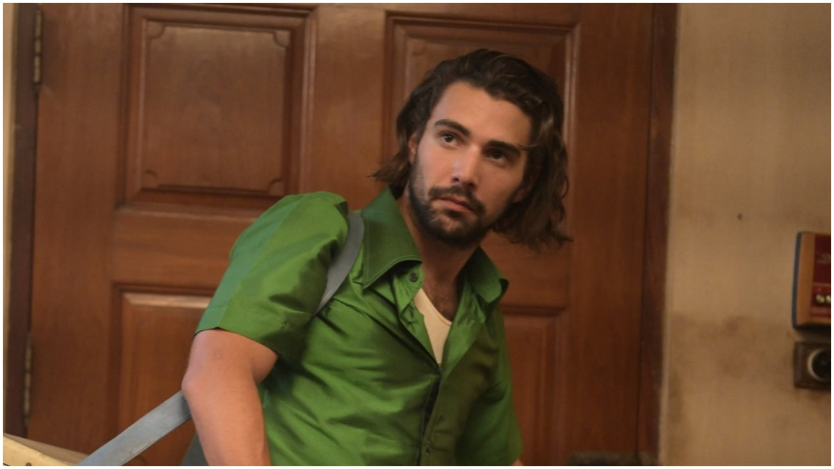Fabien Frankel stars as Dominique Renelleau in Netflix's The Serpent