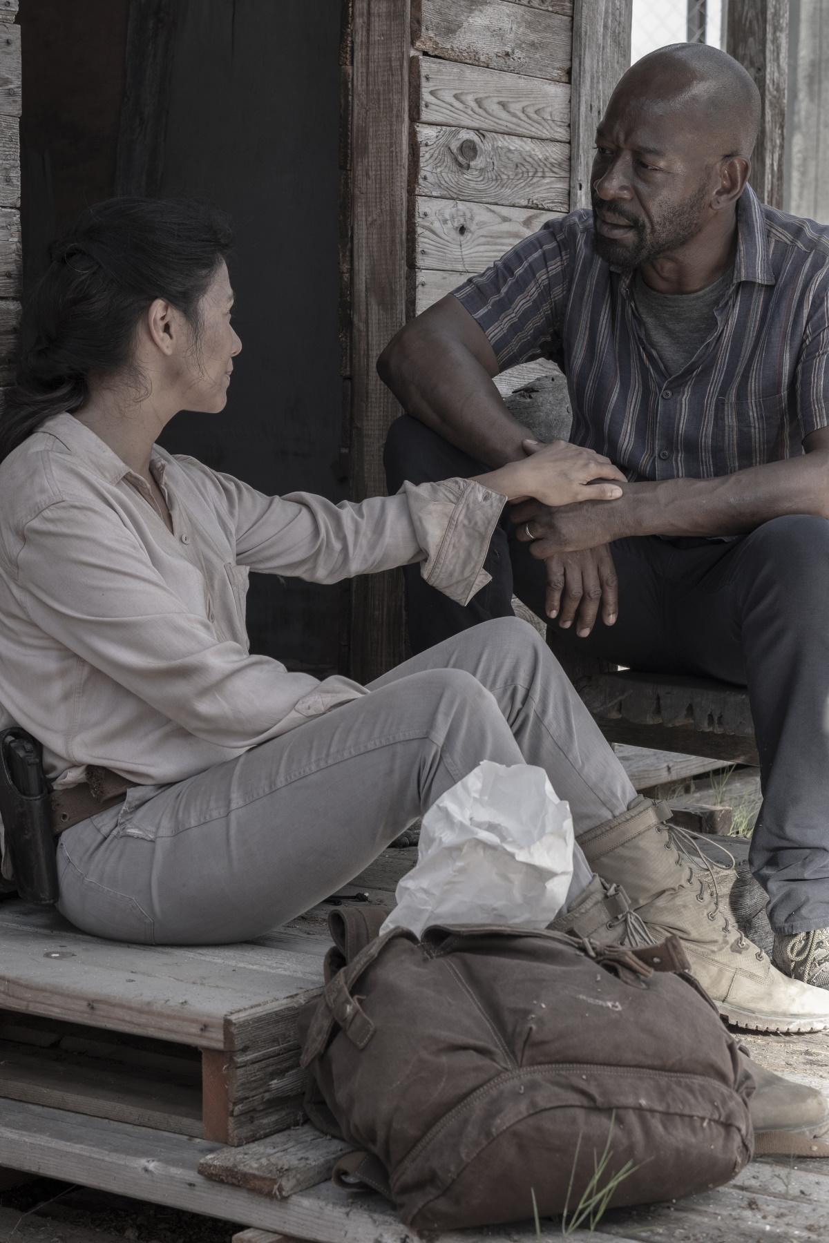 Karen David as Grace and Lennie James as Morgan, as seen in Episode 16 of AMC's Fear the Walking Dead Season 5