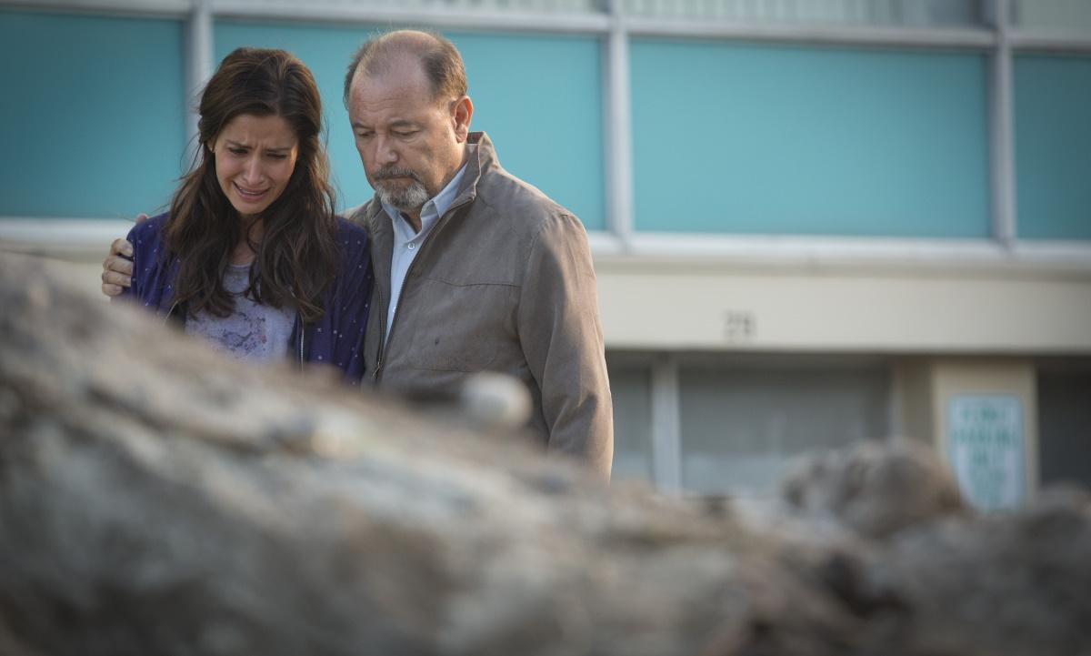 Mercedes Mason as Ofelia and Ruben Blades as Daniel Salazar, as seen in Episode 6 of AMC's Fear the Walking Dead Season 1