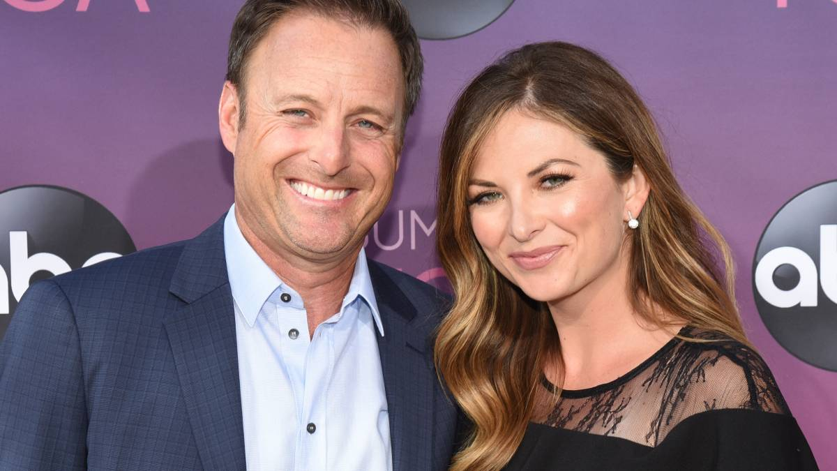 Chris Harrison and Lauren Zima on the red carpet.