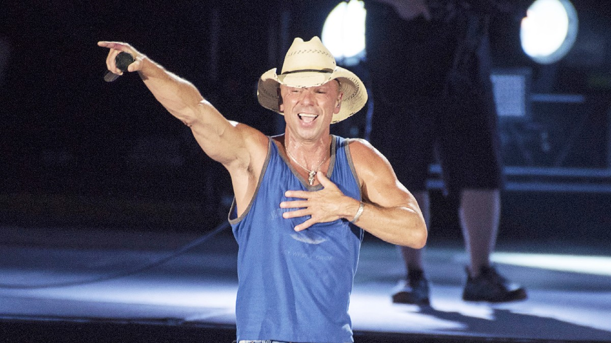 Kenny Chesney performs on-stage
