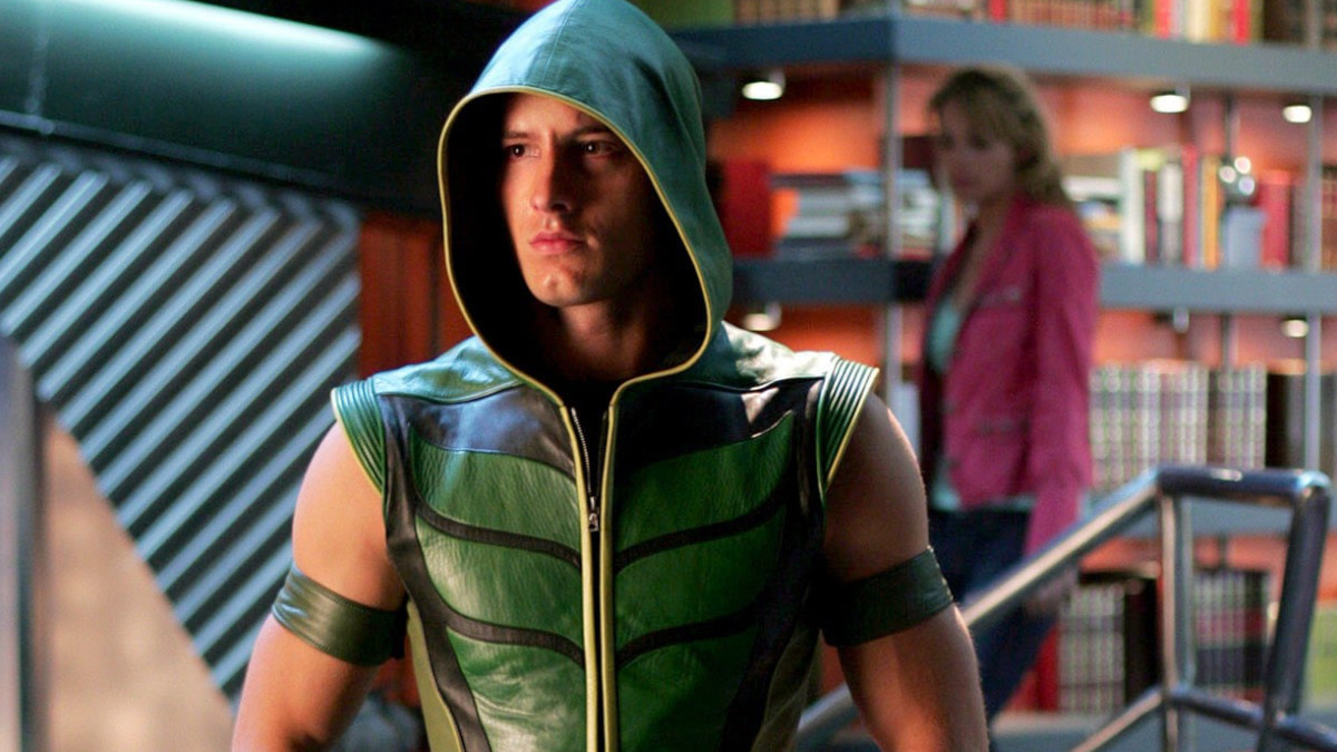 Smallville's Justice League spin-off Arrow.