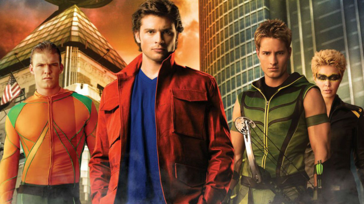 Smallville's Justice League spin-off featured.