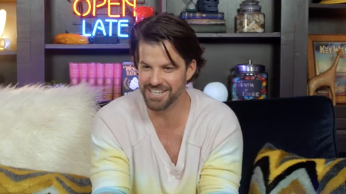 johnny bananas from celebrity sleepover clip