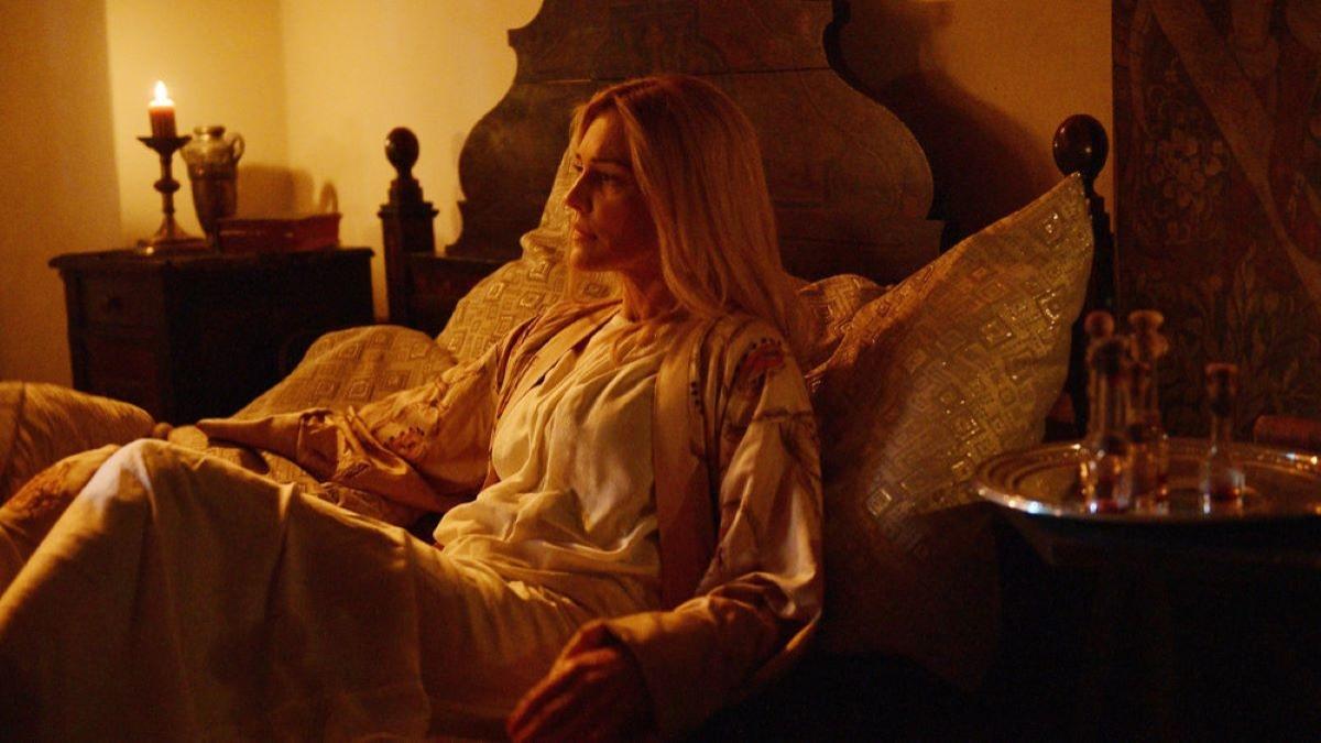 Tricia Helfer on the set of van Helsing